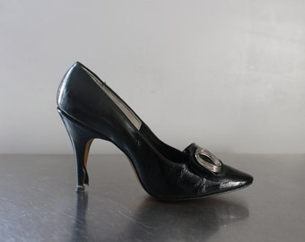Black heels L.G. Haig Shoes awesome big silver buckle never worn NWOT snug fit heel small shoes new without tags 1960's Mad Men style size 6