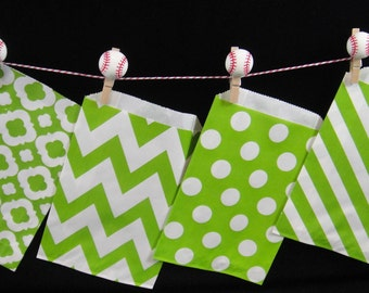 Green Favor Bags, Candy Buffet Bags, Candy Bags, Bakery Bags, Paper Bags, Birthday Parties, Packaging, Baking Supply, Wedding - Qty 12