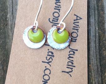 Enameled disc earrings