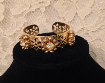 VERY PRETTY VINTAGE Bracelet - Excellent Condition - Clean Large Faceted Rhinestones