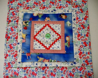 Quilted Table Topper, Table Runner, Vintage Style, Feedsack Reproduction, Retro, Farmhouse