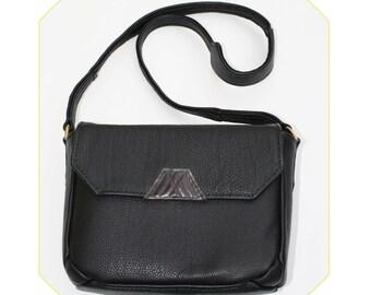 Leather Bag - the TRIANGLE CLASSIC CUT