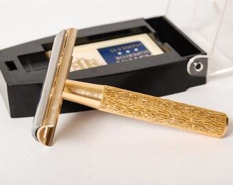 Vintage shaving traveling set, razor in original plastic box. Made in Czechoslovakia.