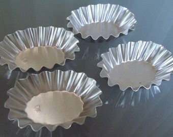 Vintage Swedish Tartlet Molds, Oval Shape