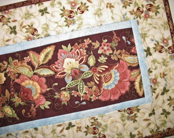 back  Welcome table runner elegant