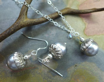 Acorn Earrings, Silver/Gray Pearl Acorn Necklace and Earring SET, Bridal/Bridesmaid Fall/Autumn Acorn Silver/Gray Necklace and Earrig SET