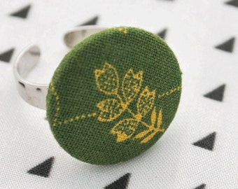 Leaf ring - Fabric button ring in green leaf print