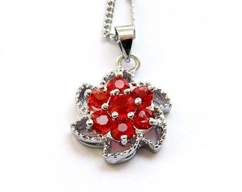 Acrylic Diamond Inlaid Metal Flower Floral Setting Pendant Necklace Chain 15mm x 15mm  T2762