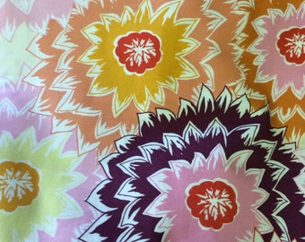 Bold Dahlia Blooms - cotton quilting weight - 1 Yard (36 Inches)
