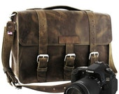 "14"" Distressed Tan Sonoma Buckhorn Leather Camera Bag - 14-BUC-DIS-LCAM"