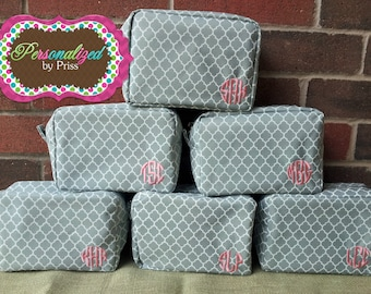 Monogrammed Quatrefoil Cosmetic Bag (set of 7)