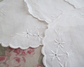 Set 6 Hand Embroidered Doily Doilies White Scalloped Edge K50