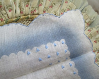 Vintage Hankie Scalloped White blue Ombre Scalloped Edge Embroidered Triangle Dots