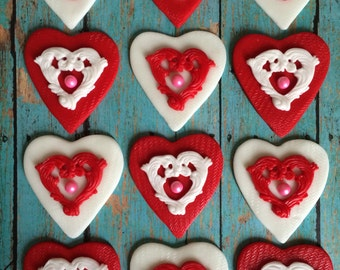 EDIBLE (Fondant Toppers) - Pearl Hearts