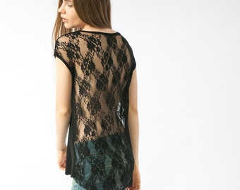 Lace tunic top sleeveless in black