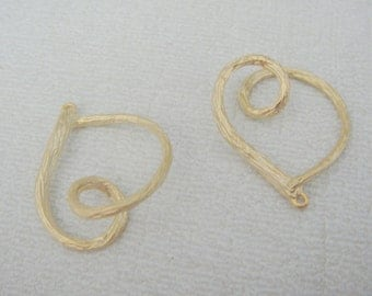 Jewelry findings Matte Gold Tarnish resistant Twisted Rope Heart pendant, connector, charm, W7528E