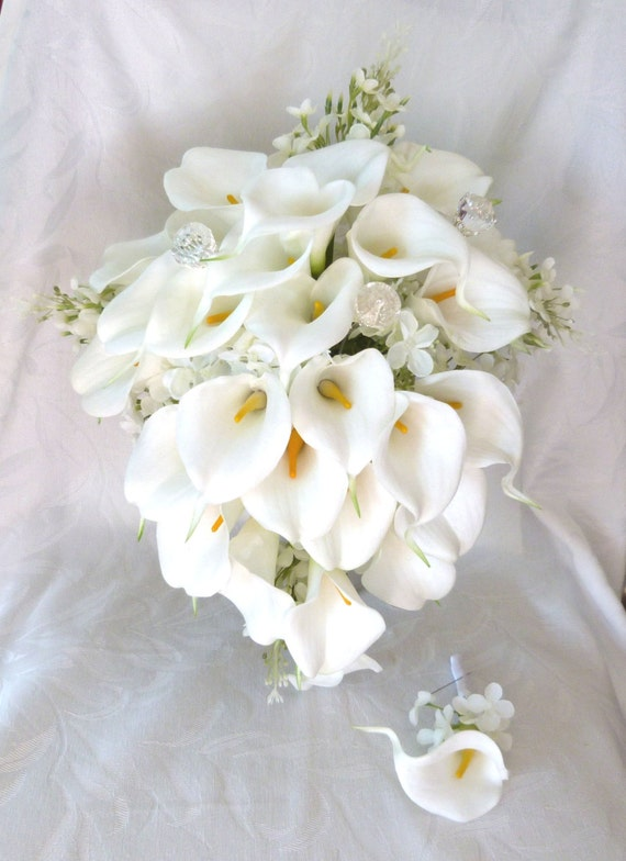 Bridal Bouquets Calla Lilies And Hydrangeas : Calla lily lilacs and hydrangea wedding bouquet all white