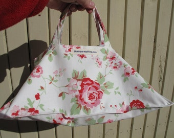 Pie carrier,  perfect hostess gift, stocking filler for a woman, pot luck accessory  - pink flowers
