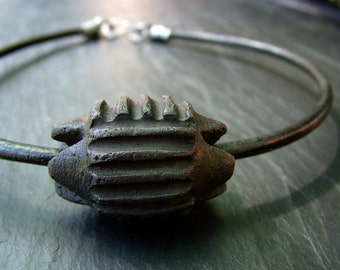 Of Stones and Power: Skara Brae - Ceramic, leather and silver choker necklace. Archaeology, rock art, tribal chic
