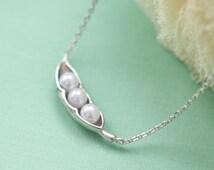 Three peas in a pod silver necklace