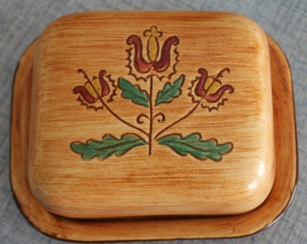 Vintage Pennsbury Pottery Covered Butter/Cheese Dish Tulip Design