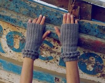 wristers warmers Crochet Pattern Fingerless Mittens Link PDF - braids cable crochet - woman warm accessory gloves - Instant DOWNLOAD