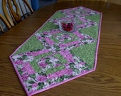 Quilted floral table runner, Valentine use - ready to ship