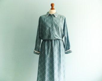 Vintage 80s shirtdress day dress / blue sea green / checked checkered / batwing long sleeve / retro librarian secretary / midi / medium