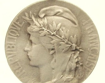 "Vintage Silver Art Medal of the MARIANNE signed L.O. MATTEI on 18"" sterling silver rolo chain"