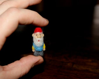 Gnome miniature, felted gnome, cute gnome, needle felted, gnome