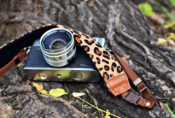 Discounted Animal Print (Leopard pattern) Camera Strap suits for DSLR / SLR