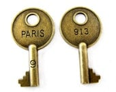 Bronze Charms : 10 Antique Brass Paris Key Charms / Bronze French Key Pendants / Steampunk Keys  - Lead, Nickel & Cadmium free 95007.J6G