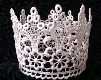 Lace crown delicate and white