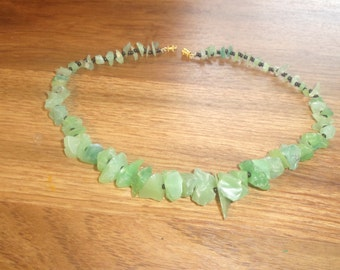 vintage necklace green lucite