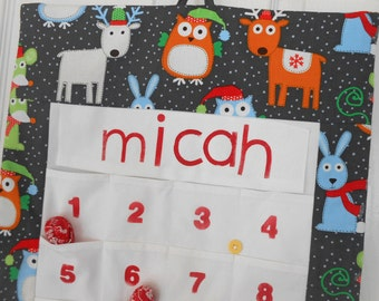 Personalized Christmas Advent Calendar in Reindeer Fabric/ Christmas Countdown Calendar with Pockets
