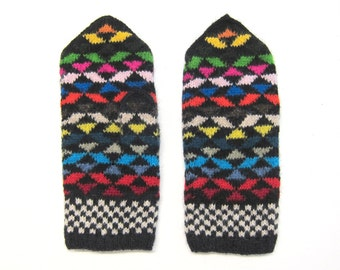 Vasarely Vibe Mittens hand knit by Granny. Size M.