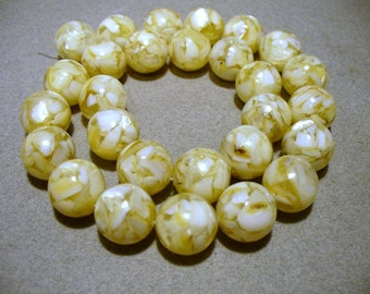 Mother of Pearl  Resin Beads Round Clear 14MM