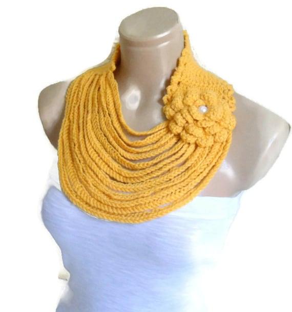 Ganchillo collar, neckwarmers, tejido a mano, moda, regalo, San Valentín, las tendencias de invierno, moda, amarillo mostaza