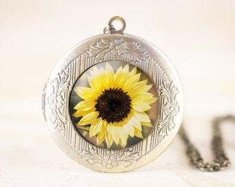 Sunflower Locket - Yellow Flower Photo Locket, Summer Flower Jewelry, Sun Flower Locket Necklace, Garden Flower Necklace, Botanical Necklace
