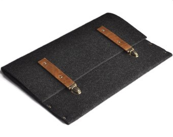 Macbook 13 Air cover case black synthetic felt brown leather straps handmade by SleeWay