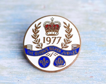 1977 Queen's Silver Jubilee - Vintage Enamel on Brass badge