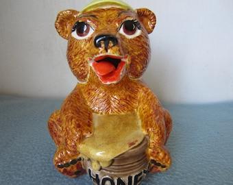 1979 Sittre Ceramics Products,Inc. Bear Shaped Honey Pot w/ Tongue Spoon