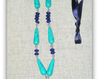 Indigo Lapis Lazuli, Turquoise briolettes and stained blue glass silver bracelet. Length adjustable