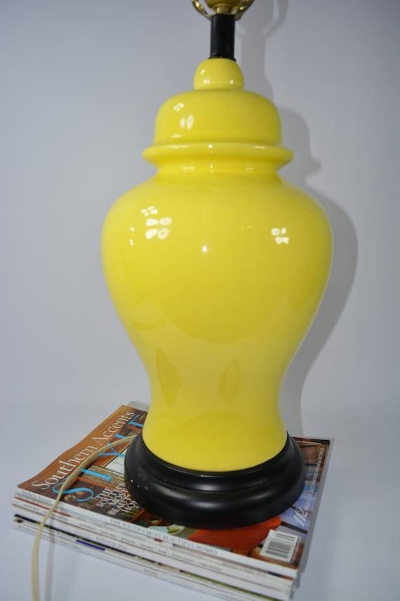 Gorgeous Sunny Yellow Ginger Lamp. Large Spring time Lamp. Ginger Lamp.