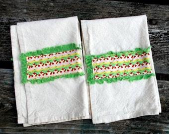 Christmas Streamers  Tea Towel Set of 2
