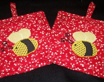 Primitive Whimsical Country Summertime BUMBLEBEE BEE Potholders Hot Pads Trivets
