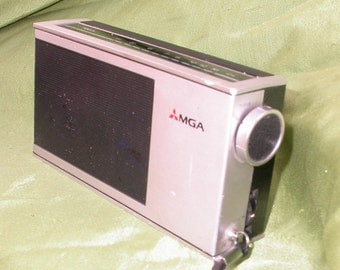1970's Mitsubishi MGA transistor Pocket AM radio