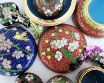 Chinese Cloissone Miniture Vase Pendant Apple Disc Boxes Handpainted Set of 6 Vintage 60s-70s