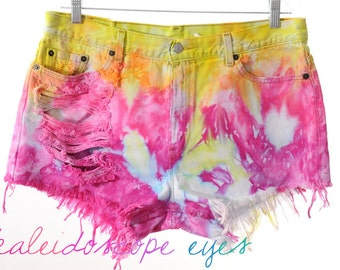 Vintage LEVIS Colorful Marbled Dyed Denim Destroyed High Waist Cut Off Shorts XXL