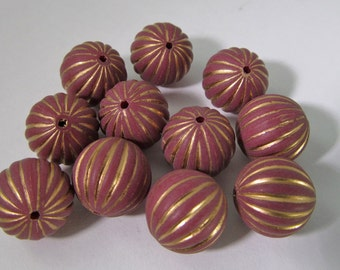 40 Vintage 8mm Gold and Wine Carved Lucite Beads Bd1470